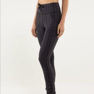 Pants - Lululemon skinny will pant, size 6